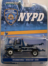 BLUE NYPD INTERNATIONAL 4400 TOW TRUCK GREENLIGHT 1:64 SCALE DIECAST MODEL