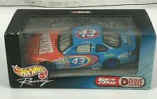 NASCAR Hot Wheels Race Day Deluxe Car 1:24 Wheaties STP #43 John Andretti NEW