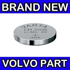 Volvo S40, V50, C30, C70, V70, XC70 (00-07) Remote Key Fob Battery (x1 CR2032)