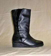 Markenlose wadenhohe Stiefel aus Echtleder