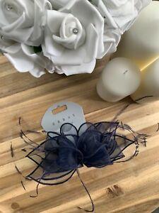 Debut @ Debenhams navy blue clip feather facinators