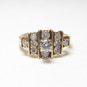 Estate 14K Yellow Gold 0.16 Ct Round Brilliant Cut Diamond Ring 0.50 Cts Total