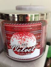 14.5 OZ BATH & BODY WORKS RED VELVET CUPCAKE LARGE CANDLE WITH VANILLA FROSTING