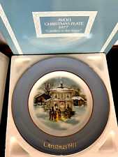 """Christmas """"Carolers In The Snow"""" 1977 Collectible Plate Avon Wedgwood Nib"""