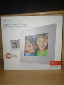 """Brookstone Digital Picture Show 8"""" Frame - Plays Music & Videos - New open box"""
