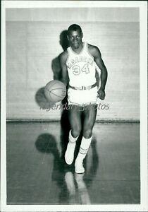 1970s Top Nixon Pasadena Basketball Original News Service Photo
