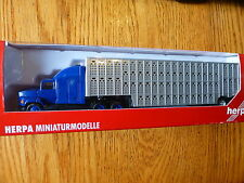Herpa HO #6403 Ford L-9000 Dark Blue Cab w/Sleeper w/Cattle Trailer