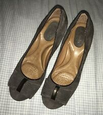 Ladies Size 7 Pumps Clarks Artisan Heals Brown Leather Suede