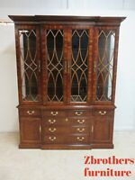 Thomasville Petite Mahogany Collection Breakfront China Cabinet Display
