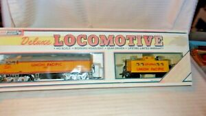 HO Scale Life-Like Union Pacific Diesel Locomotive #3901 & Caboose Set BNOS