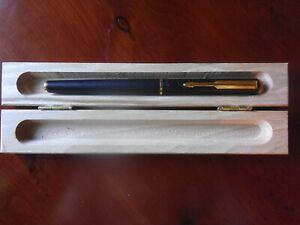 PARKER 88 model  PEN/ DIP TESTED/ WRITES/ / LOT1310/selling  old new stock