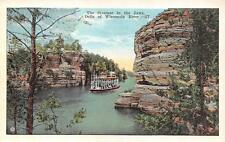 WI, Dells of Wisconsin River    STEAMER BOAT IN THE JAWS     c1920's Postcard