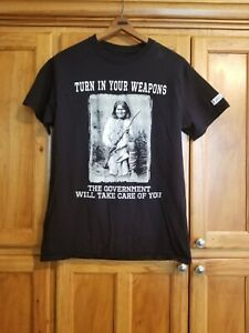 2A T-shirt Turn In Your Weapons Geronimo Sz M Black
