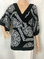 White House Black Market Signature Knits Blouse Size XS Black and White Print