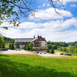 Urlaub ! 3 Tage Erzgebirge im 4* Panorama Berghotel Seiffen für 2 + 1 Abendessen