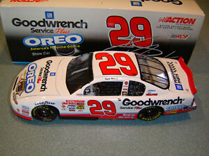 Kevin Harvick '01 Chevy #29 GM Goodwrench Service Plus OREO Show Car 1:24 Action