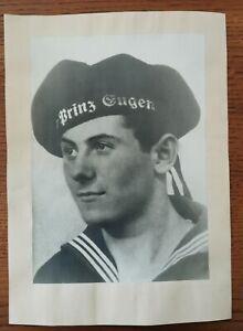seltenes Foto Kriegsmarine, Mützenband Kreuzer Prinz Eugen nach USA Überführung
