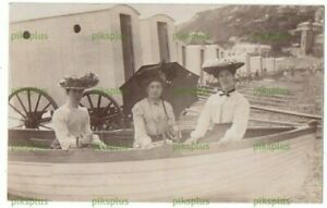 POSTCARD 3 LADIES IN A BOAT & BATHING MACHINES VENTNOR ISLE OF WIGHT REAL PHOTO