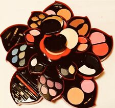 Oily Professional Make Up Kits Flower Shape Quality Proucts
