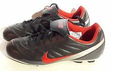 Chaussures de foot NIKE taille 38.5