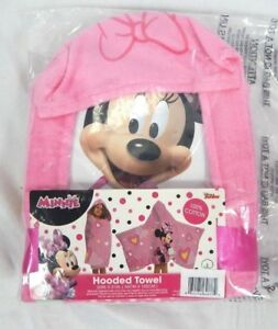"Disney Junior Pink Minnie Mouse Fabulous Hearts Hooded Towel, 22""x51"""