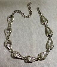 "Vintage Coro Pegasus Silvertone Metal Textured Oval Link Chain 15"" Necklace"