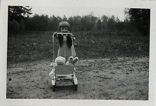 PHOTO ANCIENNE - VINTAGE SNAPSHOT - ENFANT JOUET PELUCHE POUSSETTE - CHILD TOY