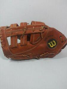 """Wilson  A2000 A2802 13"""" Baseball Softball First Base Mitt Left Hand Throw"""