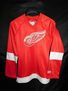 Detroit Red Wings Hockey Jersey Womens L CCM Red White Shirt For Her Sweatshirt