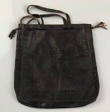 Grand sac en cuir vintage,  décor géométrique à losanges. marron foncé