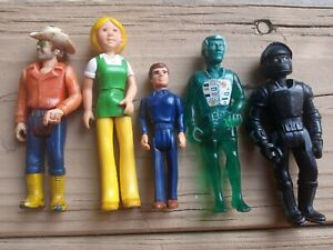Vintage 1974 and 1985 Fisher Price Adventure Action Figures Lot of 5