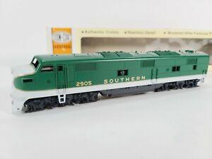 Concor 15-002140 Southern  EMD E-7A Train Engine Cab #2905 HO Vintage NEW