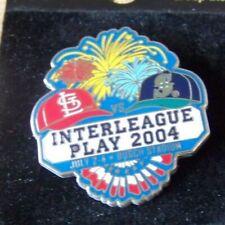 2004 Interleague St Louis Cardinals Seattle Mariners pin Busch Stadium c37968