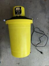 Richmond Cedar Works Model 71 4 quart electric ice cream maker - yellow 120v