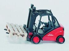 SIKU Sk1722 Diecast Forklift Truck 1 50 Scale