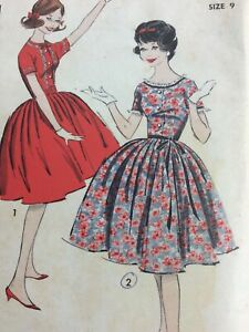 1960s ADVANCE 9413 Vintage Sewing Pattern Teen Womens Dress Size 9