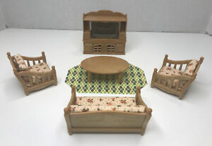 Epoch Sylvanian Families Calico Critters Pink Floral Living Room Furniture Set