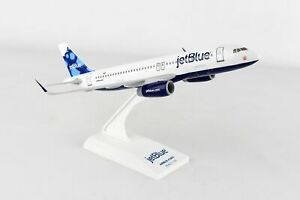 SkyMarks 963 JetBlue Airbus A320 'Blueberries' Livery 1/150 Scale Model