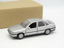 Gama SB 1/43 - Opel Vectra Gris