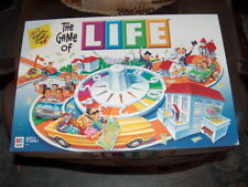 THE GAME OF LIFE 2000 FAMILY BOARD GAME   AGES 9