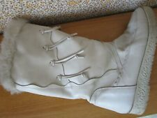 Ladies white grey boots leather upper synthetic sole 38 lined fur USED V Good