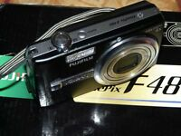 Fujifilm FinePix F Series F480 8.2MP - Digital Camara - Negro