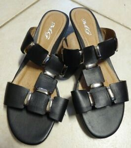 13 - MG LEATHER SLIP ON WOMENS MULE WEDGE SANDALS SIZE 7M