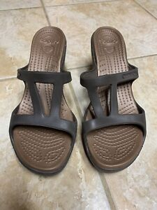 Crocs Cyprus V Platinum Bronze/Brown Slide In Mule Sandal Heels Sz 7W