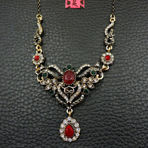 Betsey Johnson Fashion Jewelry Pretty Flower Crystal Pendant Long Chain Necklace
