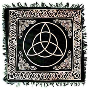 """NEW Triquetra Altar Cloth 18"""" Gold and Black Metallic Fringed Rayon Celtic Knot"""