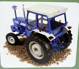 UH 1/16 Scale - 2798 Ford 7000 Closed Cabin Blue White Diecast model Tractor