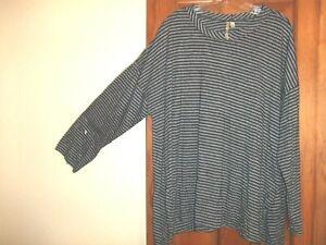COMFY USA asymmetric hem black/gray striped tunic. Size XL-1X. Cute!