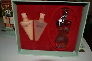 Flacon de parfum Jean-paul Gaultier présentation chalet