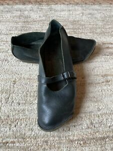 TRIPPEN Mary Jane Shoes, Buckle, Green Leather, Size 39, Size 8-5-9US